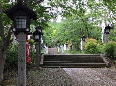 那須温泉神社参道の様子