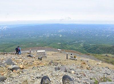 山頂と牛ヶ首分岐点からの景色