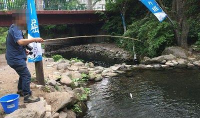 渓流釣りしてるところ