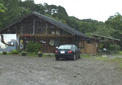 CAFE前が小さな万華鏡美術館駐車場