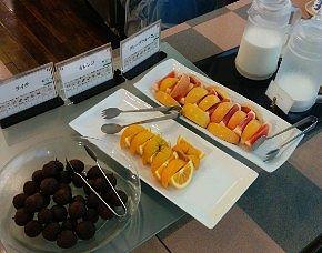 ライチ、オレンジ、グレープフルーツ