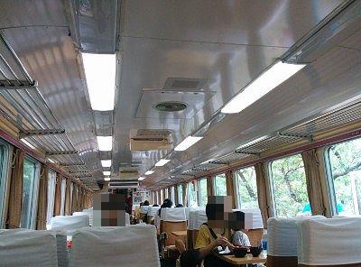 レストラン清流の列車内の様子