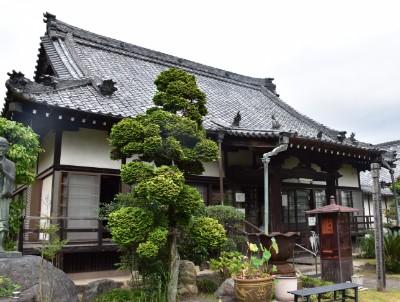 青蓮寺の本堂外観