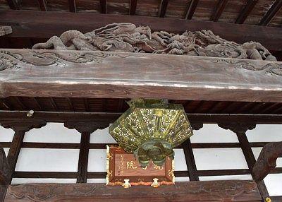 本堂にあった彫刻