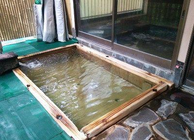 薬湯の露天風呂