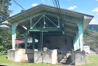 山麓駅の発着場