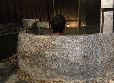貸切風呂に入ってる様子