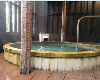 露天風呂の浴槽