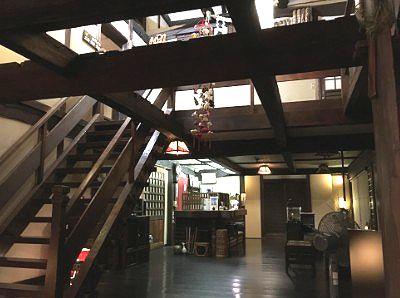 1階玄関付近