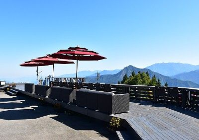 山頂駅「雲の上のカフェ」