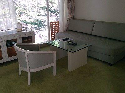 客室内ソファ