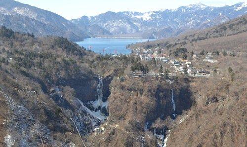 冬の明智平ロープウェイから華厳の滝と中禅寺湖