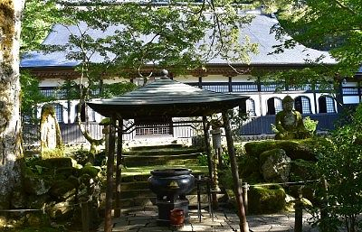 大香炉と本堂