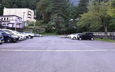 湯沢東映ホテル駐車場