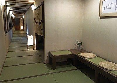 大浴場入口前の畳敷き通路