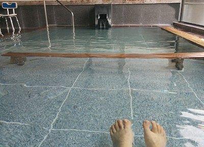 深さの違う内風呂の様子