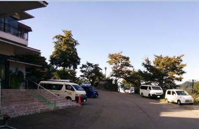 雪国の宿高半駐車場