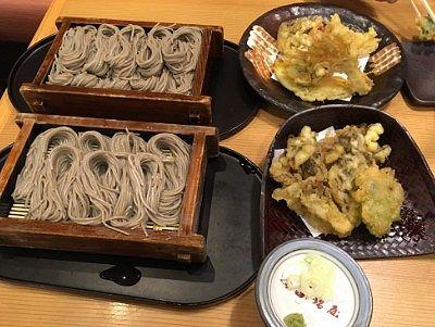 秋天ぷらのへぎそば1人前盛り、大盛へぎそばと天ぷら