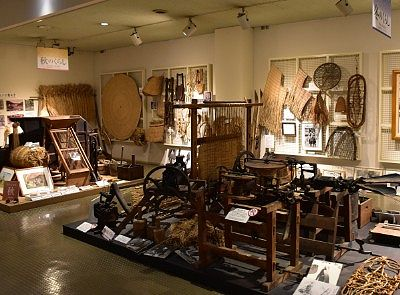 雪国・湯沢の民具や農具を展示