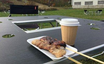 ベーコン串とダンゴにコーヒー
