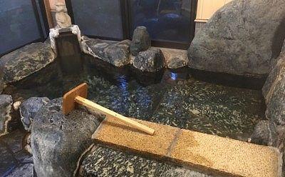 貸切風呂の岩風呂