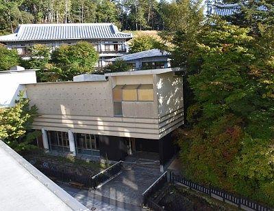部屋から見えた片岡鶴太郎美術館