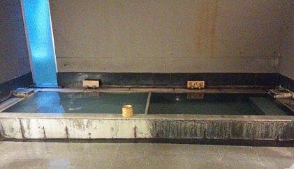 二つに区分けされてる内風呂
