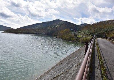 野反湖ダム天端