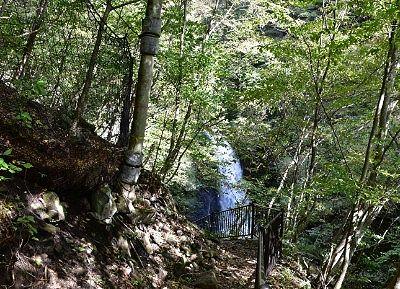 湯歩道から見えた大仙の滝