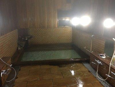 小さい方の湯舟の大浴場