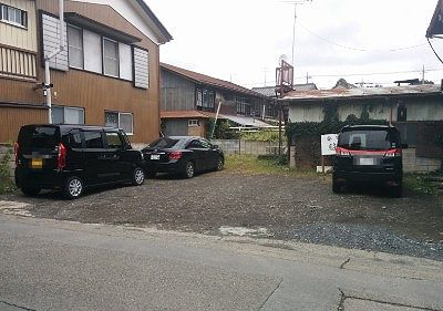 安田屋駐車場
