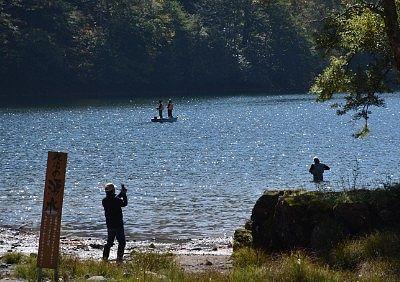 丸沼で釣りを楽しんでた人達