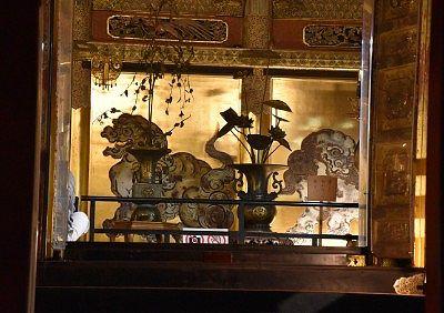 金閣殿の中の国宝唐獅子(狩野探幽作)
