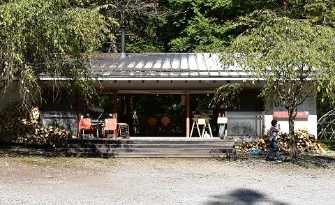 森のカフェKISEKI外観