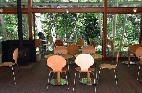 森のカフェKISEKI店内の様子