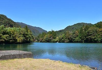 四万湖の様子