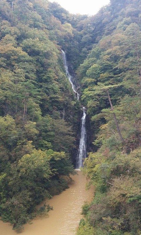 秋の不動の滝