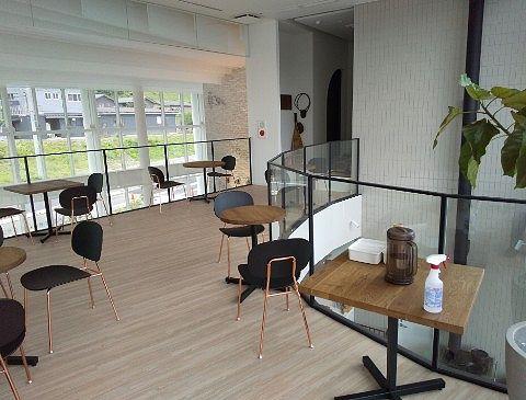 笹湯カフェ二階席の様子