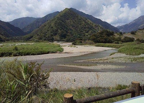 足尾砂防ダム上の景色