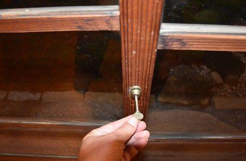 ガラス戸と鍵