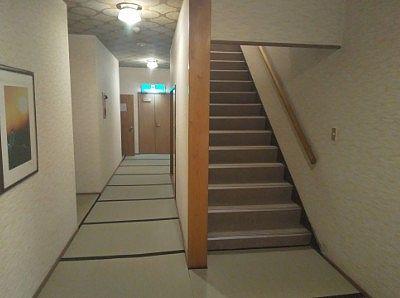 一階階段付近