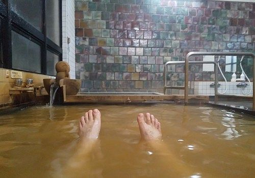 温泉に入ってる様子