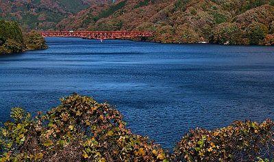 紅葉の草木ダム