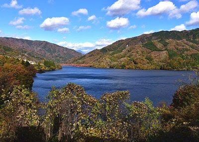 草木ドライブインから見た草木湖