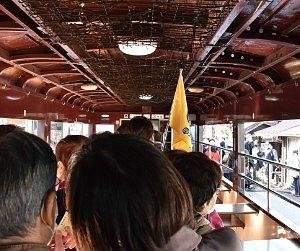 神戸駅で降りる乗客