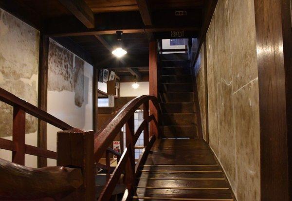 回廊の太鼓橋