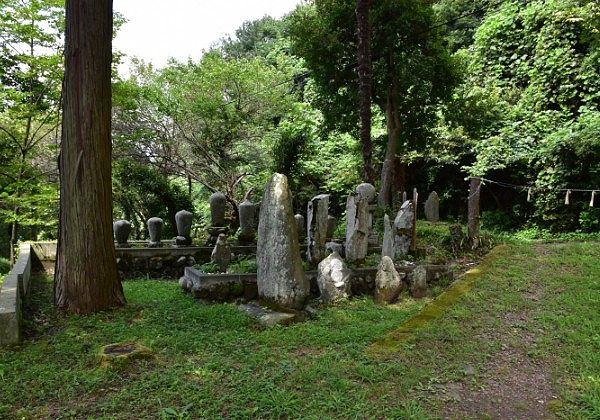 墓石と結界