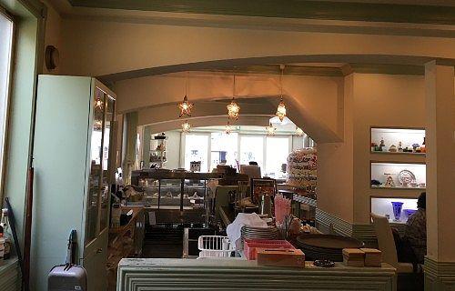 洋菓子レストラン月乃井店内の様子