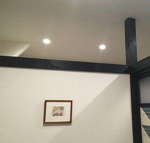 天井部が開いてる個室