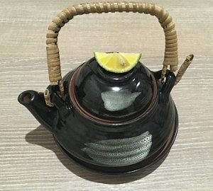 旬の茸の土瓶蒸し